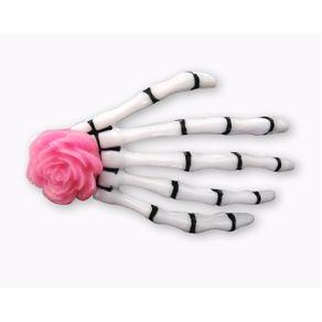 presilha-para-cabelo-mao-de-esqueleto-caveira-rosa