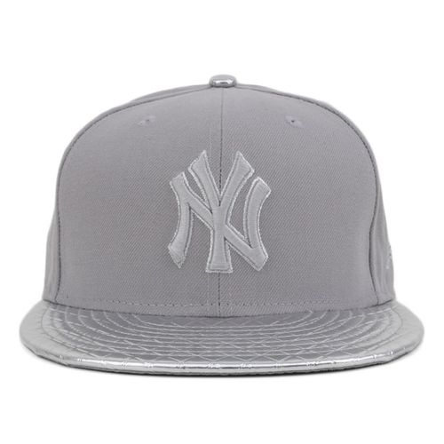 bone-new-era-metal-mystery-new-york-yankees-strapback