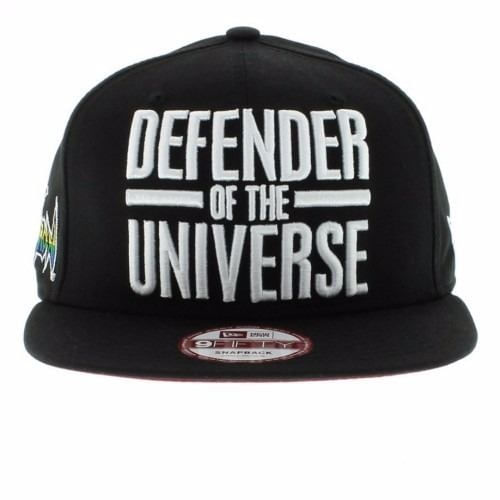 bone-new-era-defender-of-the-universe-preto-snapback