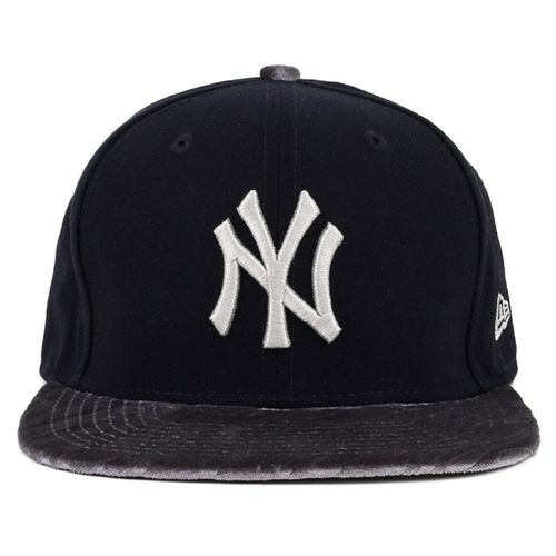 bone-new-era-9fifty-velvet-vize-new-york-yankees-black-printed-osfa-snapback
