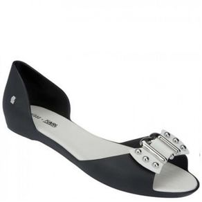 melissa-seduce-karl-preto-branco-l80c