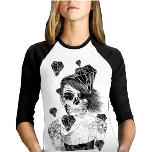 camiseta-raglan-caveira-diamante-branco-preto-feminino