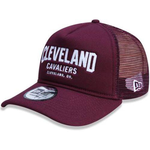 Bone-New-Era-940-Trucker-FA17-Cleveland-Cavaliers-Vinho