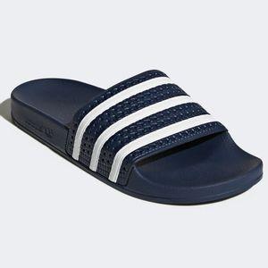 l-Chinelo-Adidas-Adilette-Blue-White